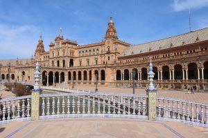 Cómo ir desde el Aeropuerto de Sevilla al centro