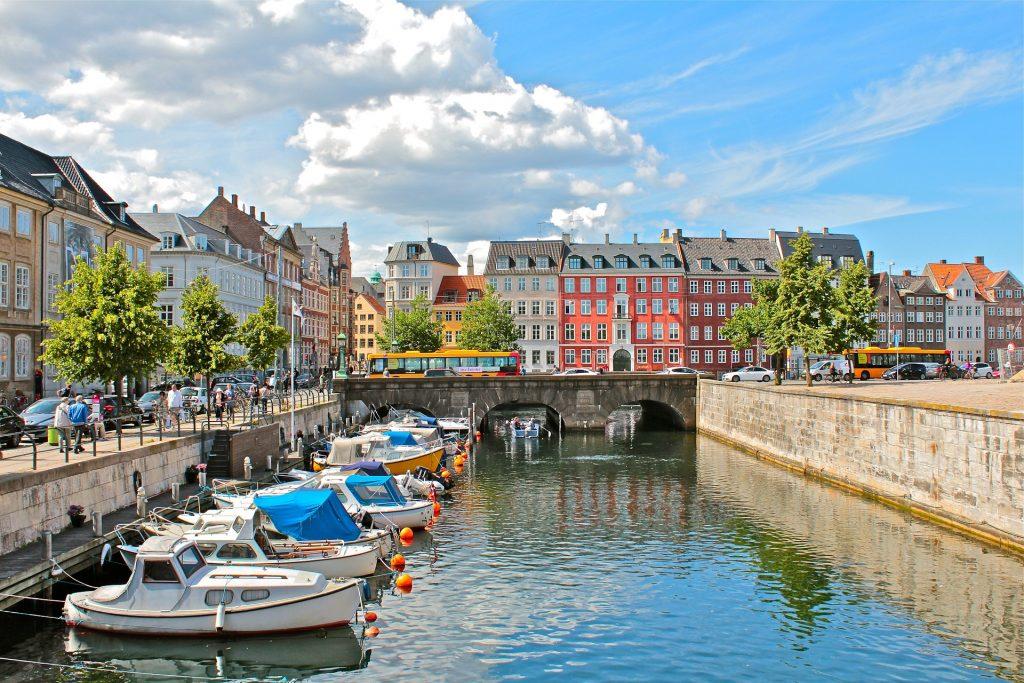 Cómo ir del Aeropuerto de Copenhague al centro de la ciudad