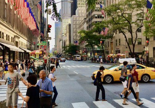 La Quinta Avenida (Fifth Avenue) en 12 paradas (2020)